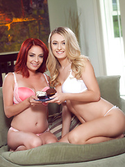 Ashlee Graham and Natalia Starr lick each others pussies