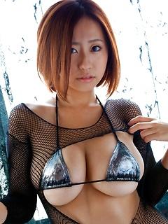 babes model Hitomi Kitamura