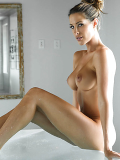 babes model Kortney Kane