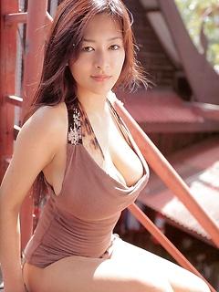 babes model Erina Yamaguchi